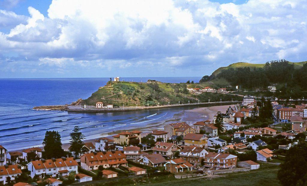 Ribadesella. Playa y puerto