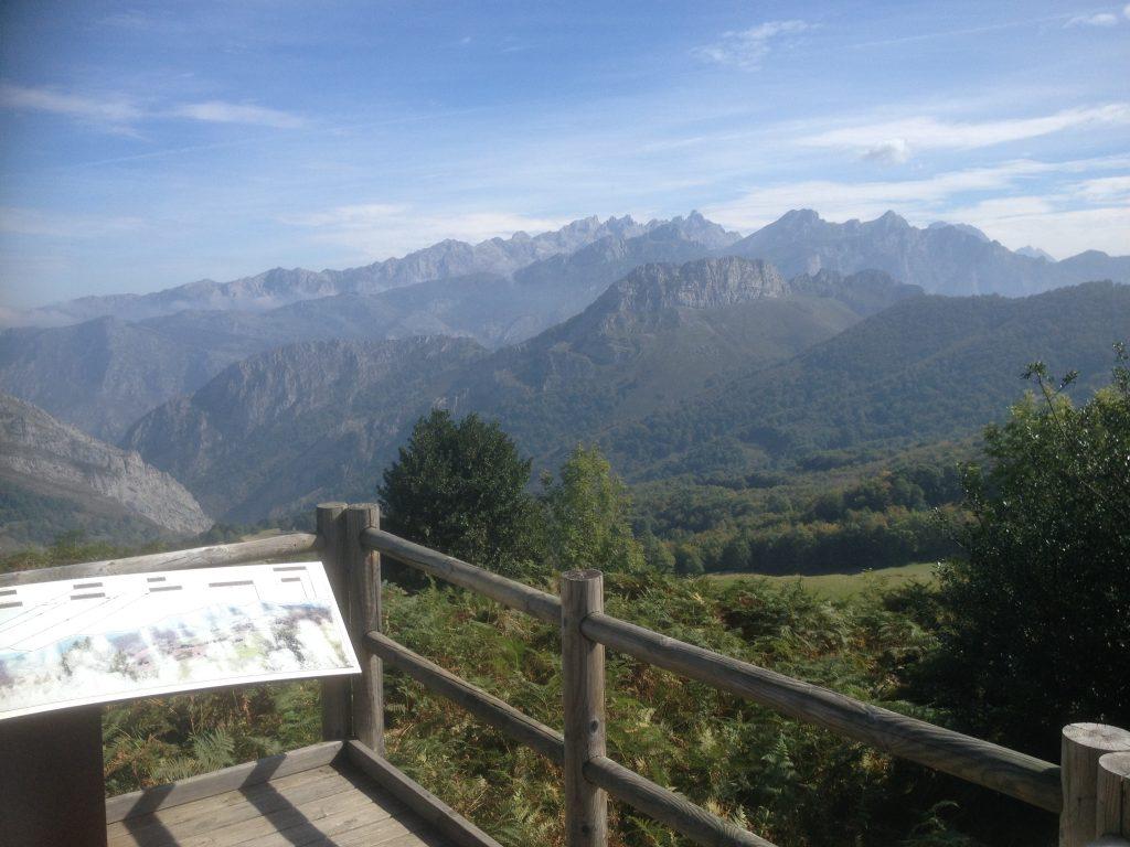 Panorámica a los Picos de Europa